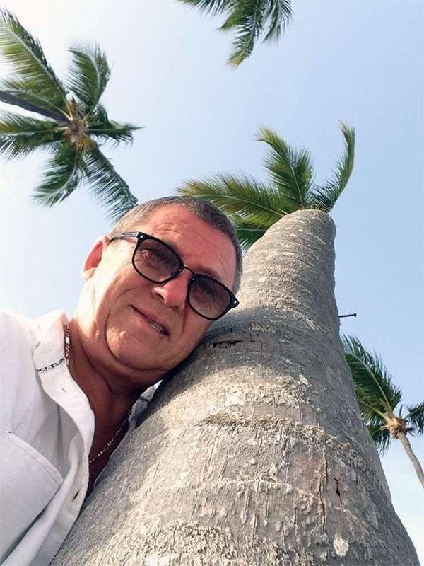 Олег Григорьевич Пермяков — бизнесмен, бриллиантовый директор Jeunesse Global в русскоговорящем сегменте